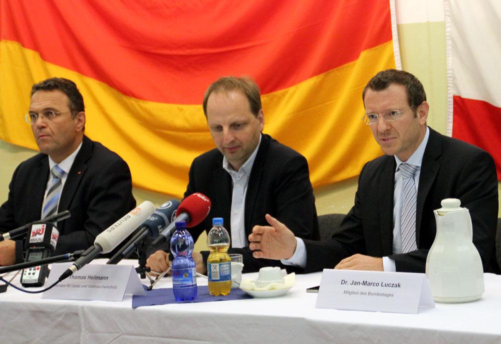 tl_files/images/news/Pressekonferenz.jpg